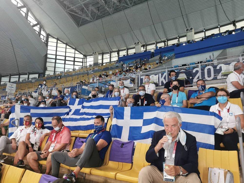 Πανηγύρισαν οι Έλληνες για την Εθνική μας ομάδα πόλο (vid)