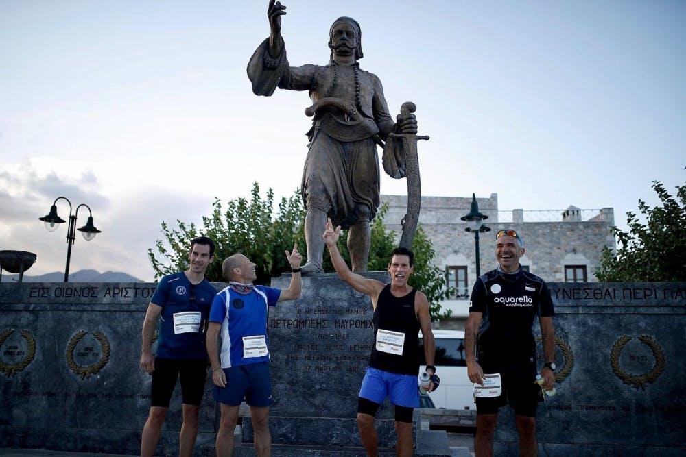 Τρέχει στο Run Messinia και σε 10 μαραθωνίους σε 10 ημέρες ο Ντιν Καρνάζης