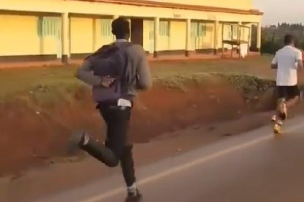 Insight View: Έτσι «γεννιούνται» οι δρομείς στη Κένυα, με 3:15 pace για… μάθημα στο σχολείο! (Vid)