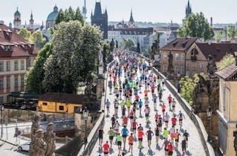 Ο πρώτος ομαδικός Μαραθώνιος διεξάγεται στις 30 Μαΐου στην Πράγα
