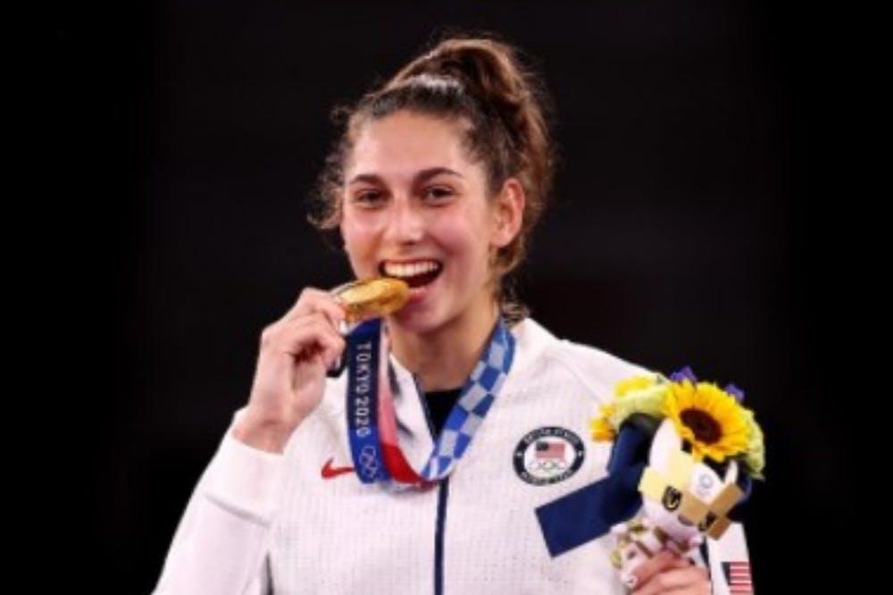 Διοργανωτές Ολυμπιακών Αγώνων: «Μην δαγκώνετε τα μετάλλια, είναι από ανακυκλωμένα κινητά τηλέφωνα!»