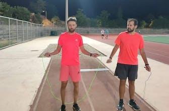 Ημιμαραθώνιος Καλλιθέας: Έτρεξε με σχοινάκι και μπήκε στα ρεκόρ Γκίνες! (Vid)