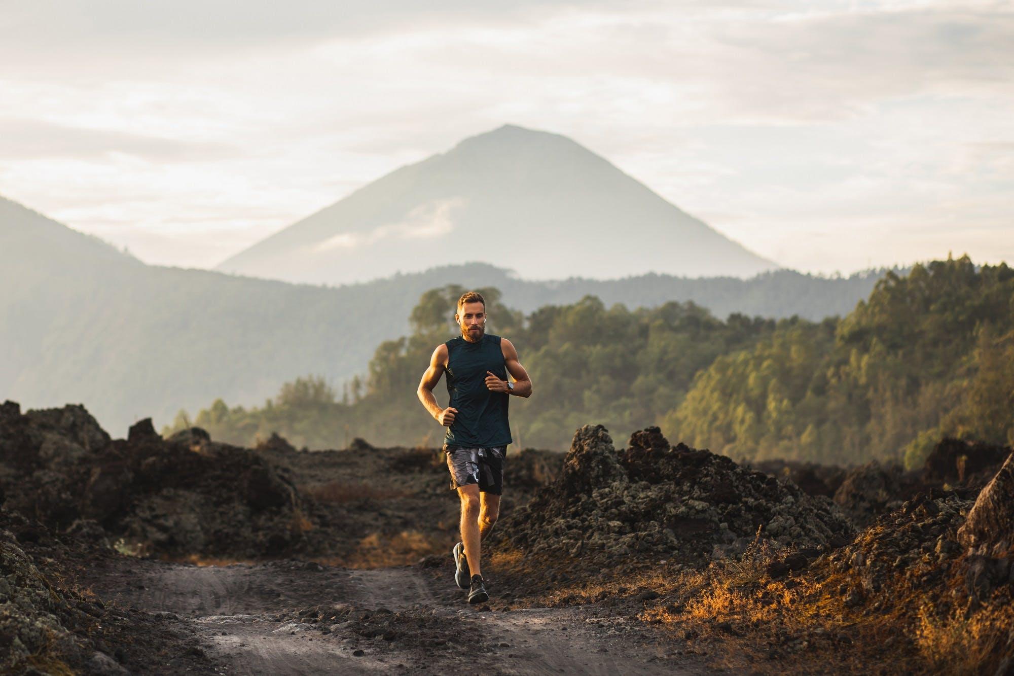 Γιατί το να τρέχεις μόνος ή στο διάδρομο και φαίνεται και είναι πιο δύσκολο-Όλα τα επιστημονικά δεδομένα
