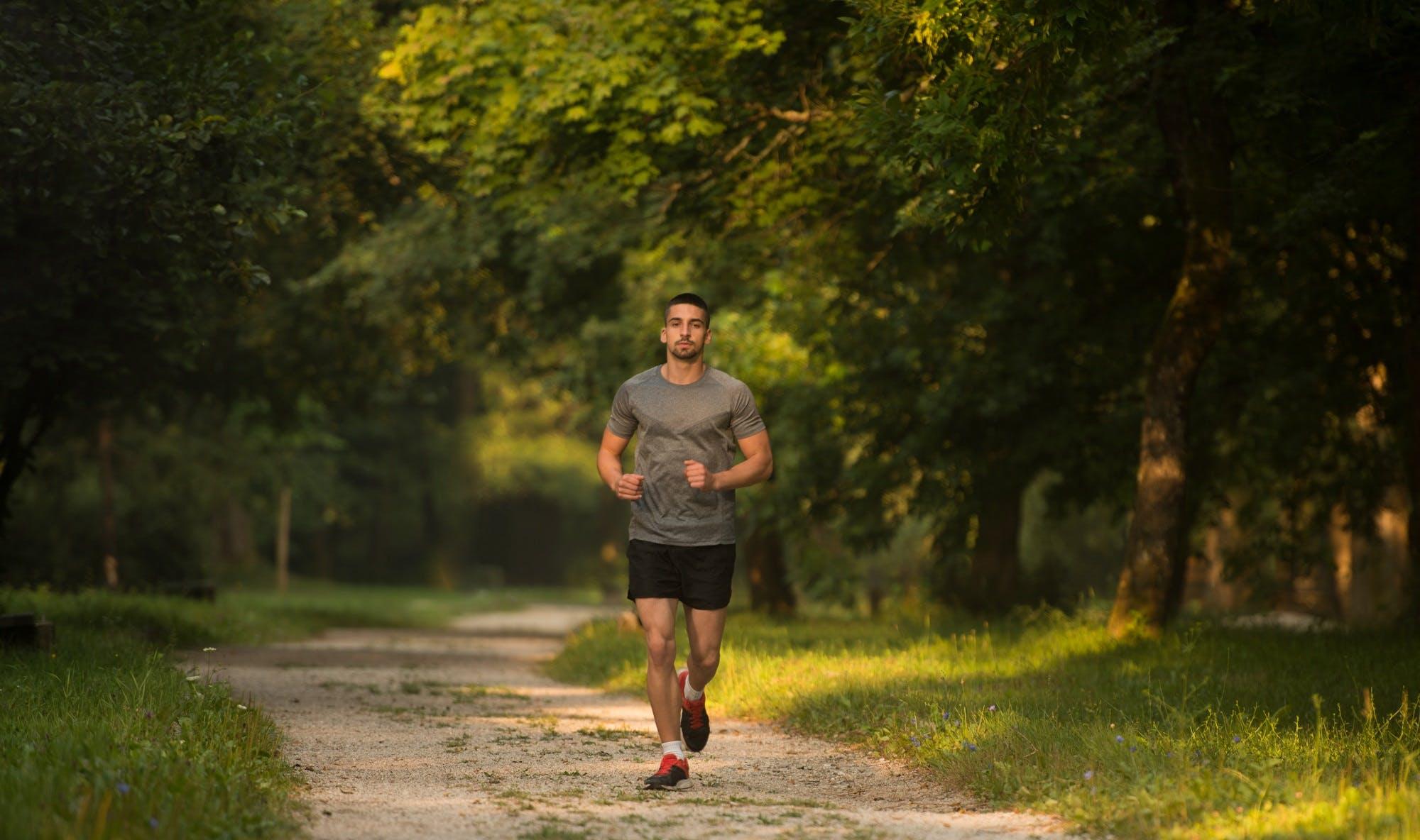 Τρέξτε με γλουτούς και ισχία και όχι με τoυς τετρακέφαλους