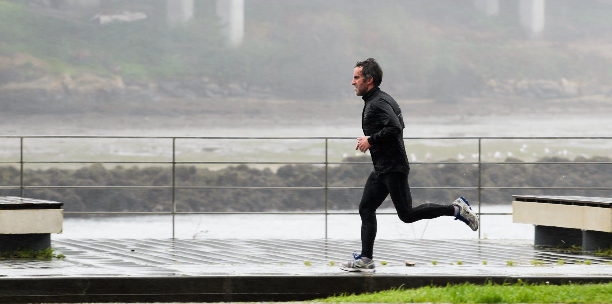 Τρέξιμο στο κρύο: Τι πρέπει να προσέξουμε και ποια τα οφέλη του