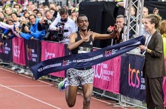 Μαραθώνιος Άμστερνταμ: Tola και Tanui έσπασαν τα ρεκόρ κούρσας σε άνδρες και γυναίκες! (Vid)