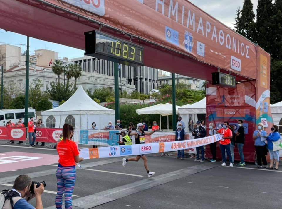 9ος Ημιμαραθώνιος Αθήνας: Μεγάλος νικητής ο Καραΐσκος με χρόνο 1:08:31
