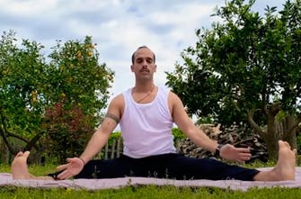 Stretching ΝΑΙ, Stressing NO! (Vid)