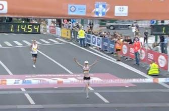 9ος Ημιμαραθώνιος Αθήνας: Νικήτρια στις γυναίκες η Wright, πρώτη στο πανελλήνιο η Ασημακοπούλου