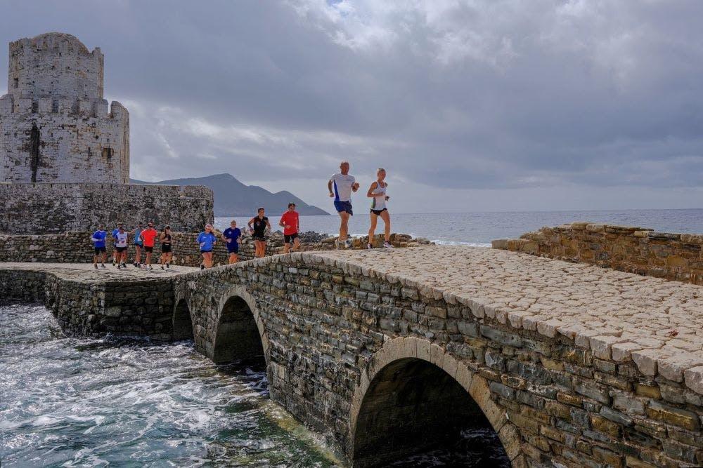 Run Messinia: Καρνάζης και Κουμανάκος έτρεξαν 10 μαραθώνιους σε 10 μέρες