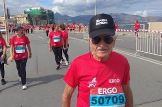 O 84χρονος δρομέας που έτρεξε στο Run Greece του Ηρακλείου και έκανε 5 χιλιόμετρα σε 50 λεπτά!
