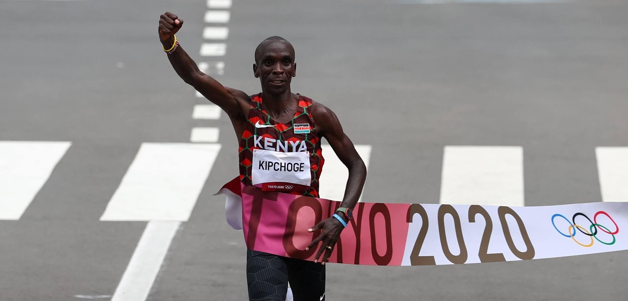 Ανίκητος ο Kipchoge: Χρυσός ο θρύλος του Μαραθωνίου στους Ολυμπιακούς Αγώνες με χρόνο 2:08:38