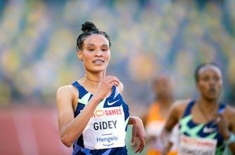 Ντεμπούτο σε ημιμαραθώνιο στη Βαλένθια για την Gidey
