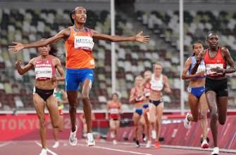 Χρυσή ολυμπιονίκης η φανταστική Hassan στα 10.000 μέτρα σε μία συναρπαστική κούρσα!