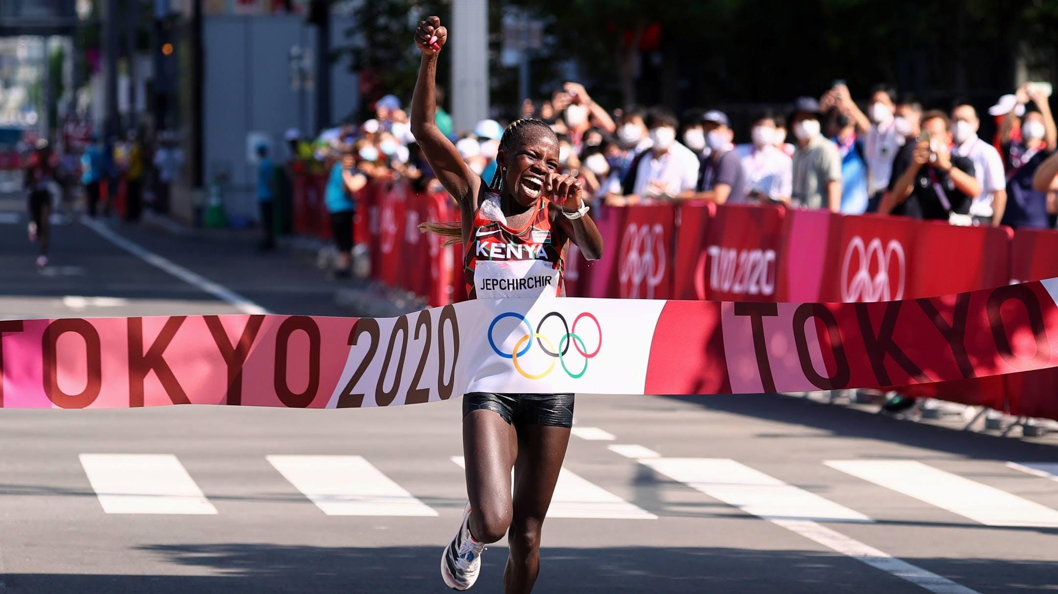 Μαραθώνιος γυναικών: Χρυσή Ολυμπιονίκης η Jepchirchir με χρόνο 2:27:20