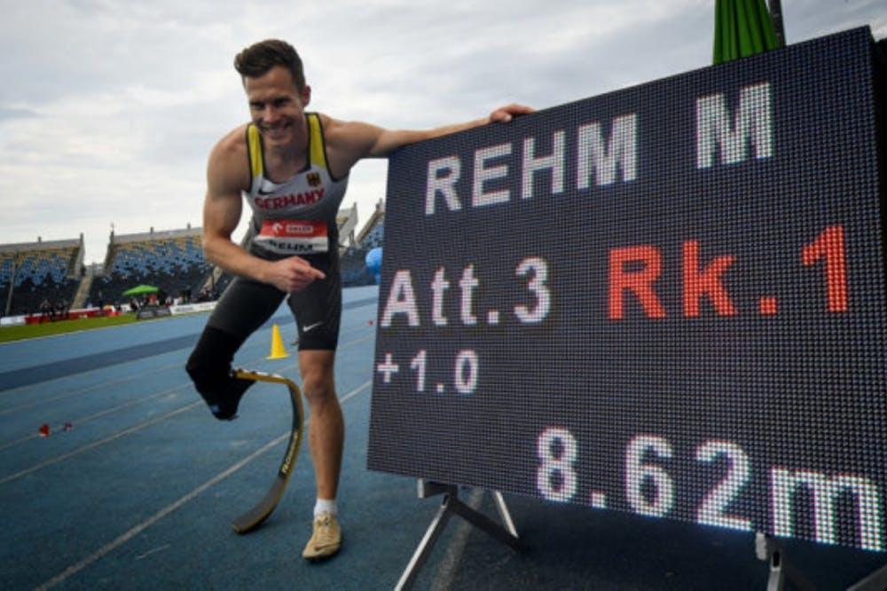 Φοβερό άλμα και παγκόσμιο ρεκόρ στην κατηγορία Τ64 για τον Markus Rehm! (Vid)