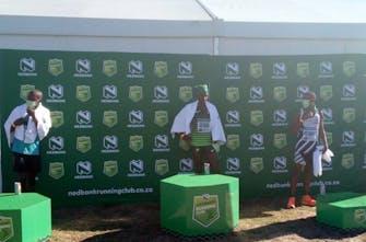 Νέο παγκόσμιο ρεκόρ στα 50 χιλιόμετρα ανδρών με 2:42:07 από τον Ketema Negasa στη Νότια Αφρική