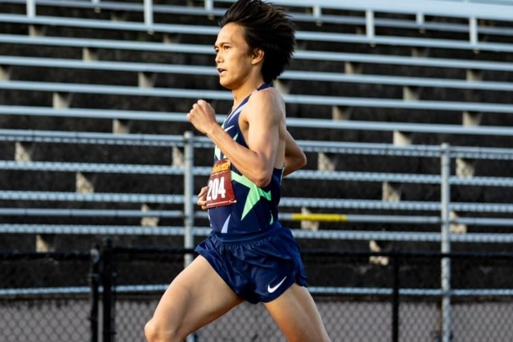 Έκανε δύο αγώνες 10.000 μέτρων με διάλειμμα 10 λεπτών και «έσπασε» τα χρονόμετρα