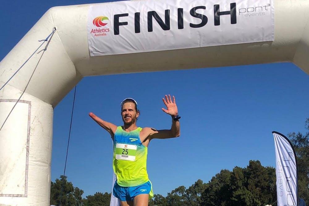 Παγκόσμιο ρεκόρ Μαραθωνίου στην κατηγορία Τ46 με χρόνο 2:18:53 για τον Michael Roeger