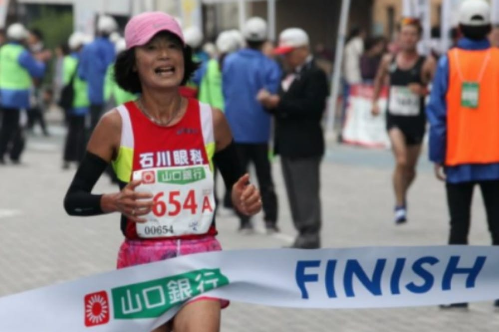 Η 62χρονη δρομέας που έσπασε το δικό της παγκόσμιο ρεκόρ!