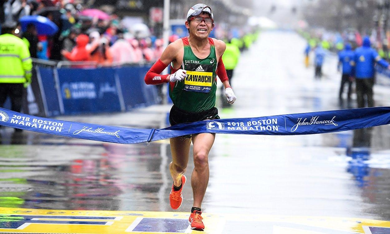 Ο Ιάπωνας δρομέας που έτρεξε 100 Μαραθωνίους σε λιγότερο από 2:20