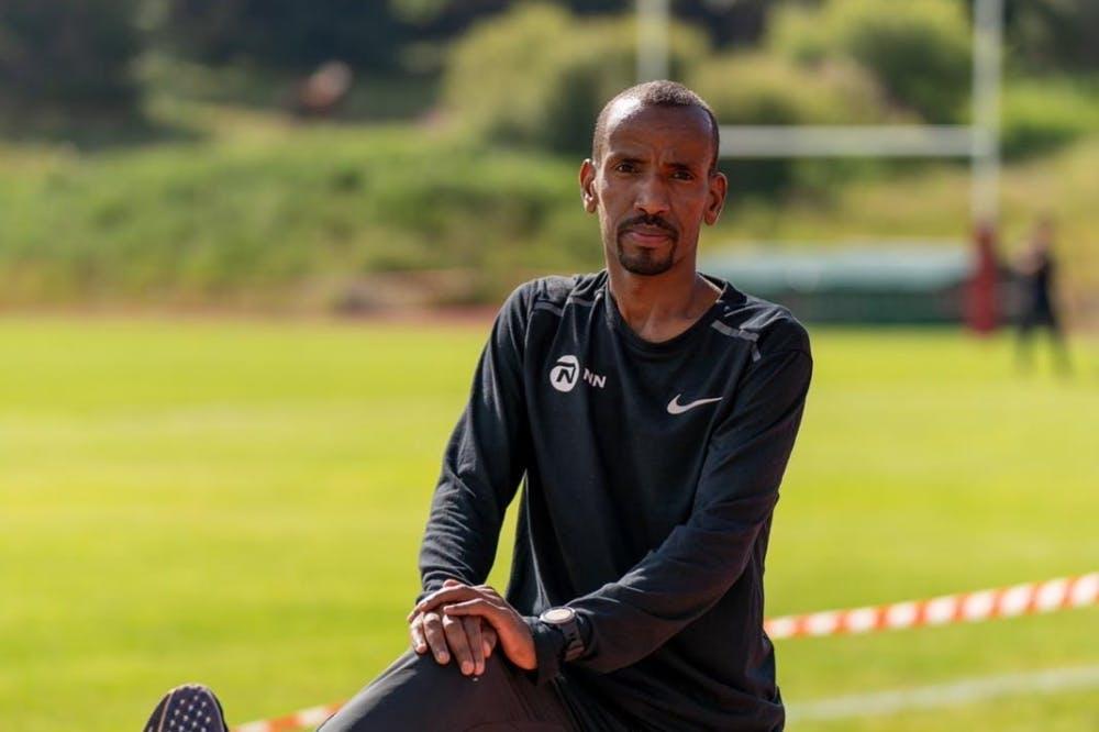 Προετοιμάζεται πυρετωδώς για να «χτυπήσει» το Ευρωπαϊκό ρεκόρ μαραθωνίου ο Bashir Abdi