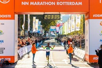 Απίθανος Abdi: Νέο Ευρωπαϊκό ρεκόρ σε μαραθώνιο με 2:03:36 στο Ρότερνταμ!