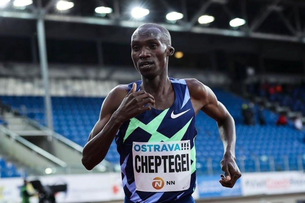 Προσωπικό, αλλά όχι παγκόσμιο ρεκόρ με 7:33:26 στα 3.000 μέτρα για τον Cheptegei