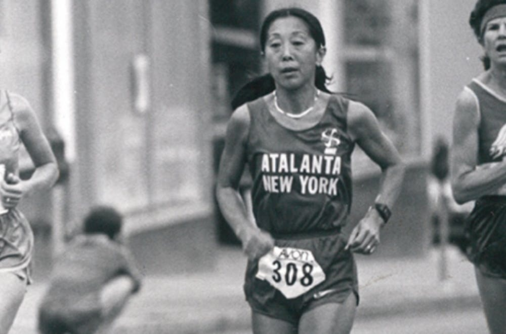 Σαν σήμερα: Η πρώτη γυναίκα 50+ ετών που έτρεξε μαραθώνιο σε λιγότερο από 3 ώρες!