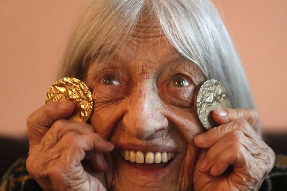 Η γηραιότερη εν ζωή Ολυμπιονίκης: Η Εβραϊκή καταγωγή, ο πόλεμος και τα 10 Ολυμπιακά μετάλλια