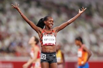 Ολυμπιονίκης για δεύτερη φορά η Kipyegon με Ολυμπιακό ρεκόρ στα 1.500 μέτρα των γυναικών!