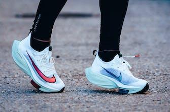 Τα παπούτσια βελτιώνουν τις επιδόσεις; Τι δείχνουν τα στοιχεία από 3.900 Μαραθωνοδρόμους