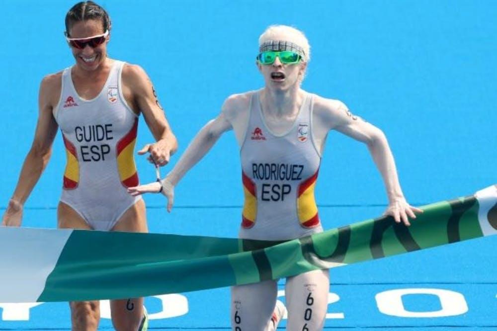 Susana Rodriguez: Η χρυσή παραολυμπιονίκης στο τρίαθλο που βοήθησε στη μάχη κατά του κορωνοϊού