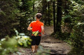 Ζώνη τρεξίματος: Γιατί να διαλέξω μία και σε τι διαφέρει από ένα armband;