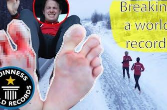 Ο… τρελός δρομέας που έτρεξε ξυπόλυτος ημιμαραθώνιο στο χιόνι για το ρεκόρ Γκίνες